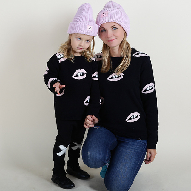 Fashion Ins Designer Mother And Daughter Clothes Family Clothing Kids Lips Logo Girls Pullover Sweater Cotton Kint Sweater