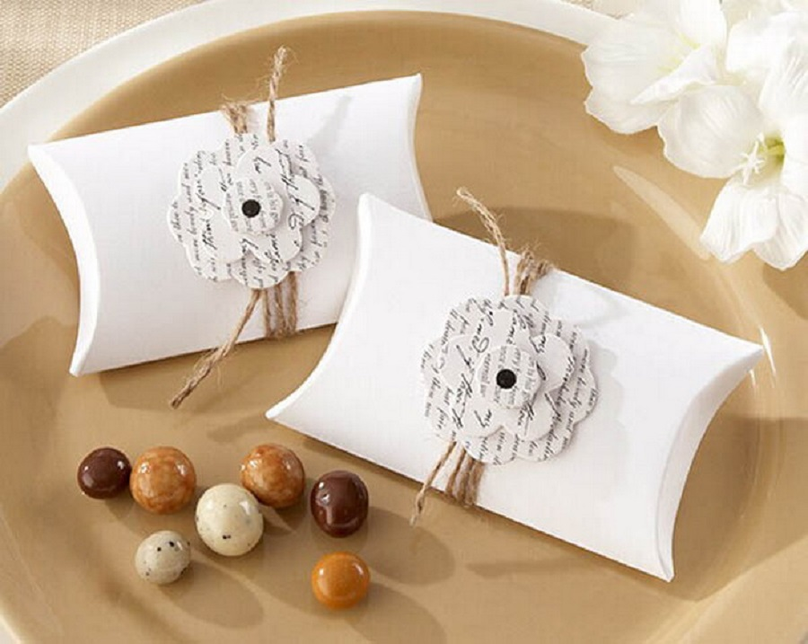 White Elegant Flower Pillow Boxes For Wedding Candy