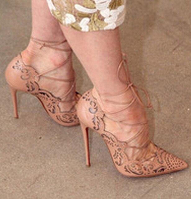 A la venta 2016 Rihanna mujer cordones bombas Sexy Laser Cut Outs tacones altos mujeres novia zapatos del estilete del dedo del pie más el tamaño 35-43