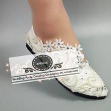 e3c98ca9e Mulher sapatos flats deslizar sobre handmade do marfim casamento do marfim  laço das pérolas noivas noiva dama de honra do partid.