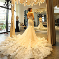 Luxury Lace Wedding Dresses 2018 New Arrival Mermaid Sweetherat 3D Floral Applques Royal Train Bridal Dress