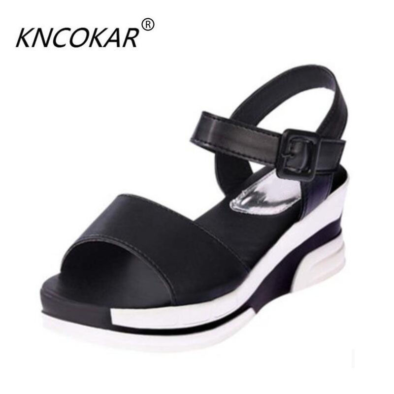 In the summer of 2017 the new sandals women wedges sponge bottom bottom soft bottom thick waterproof product with female shoes V in autumn the new style of the leather face of the thick bottom of the shoe fashion of many colors