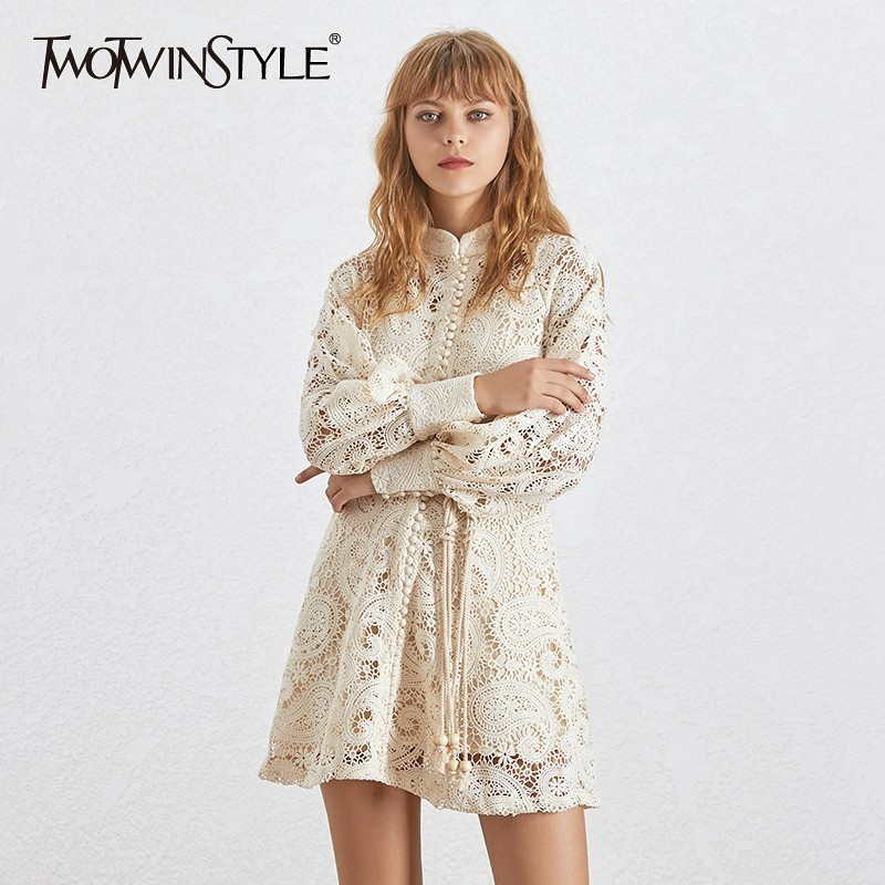 Twotwinstyle 우아한 할로우 여성 드레스 스탠드 칼라 랜턴 슬리브 높은 허리 붕대 미니 드레스 여성 패션 2019-에서드레스부터 여성 의류 의  그룹 1