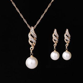 Gold rhinestone Pearls Set 2