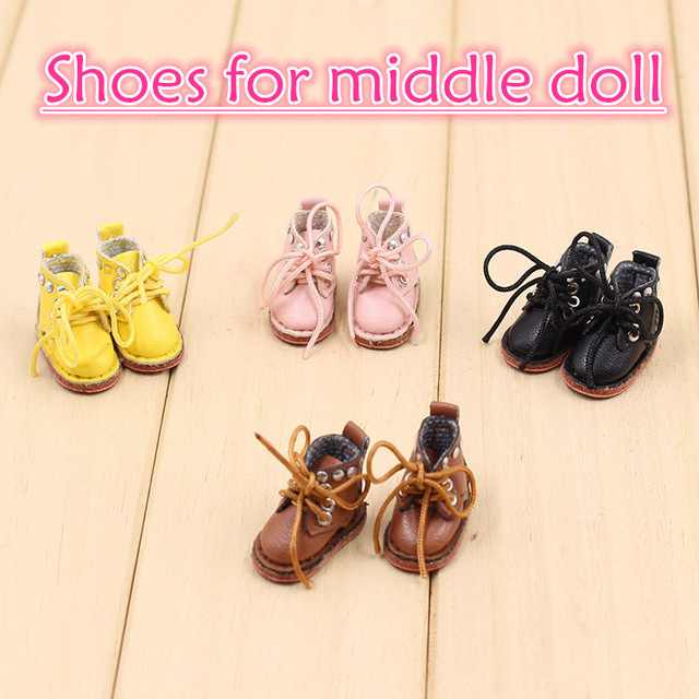 Middie Blythe Doll Shoes