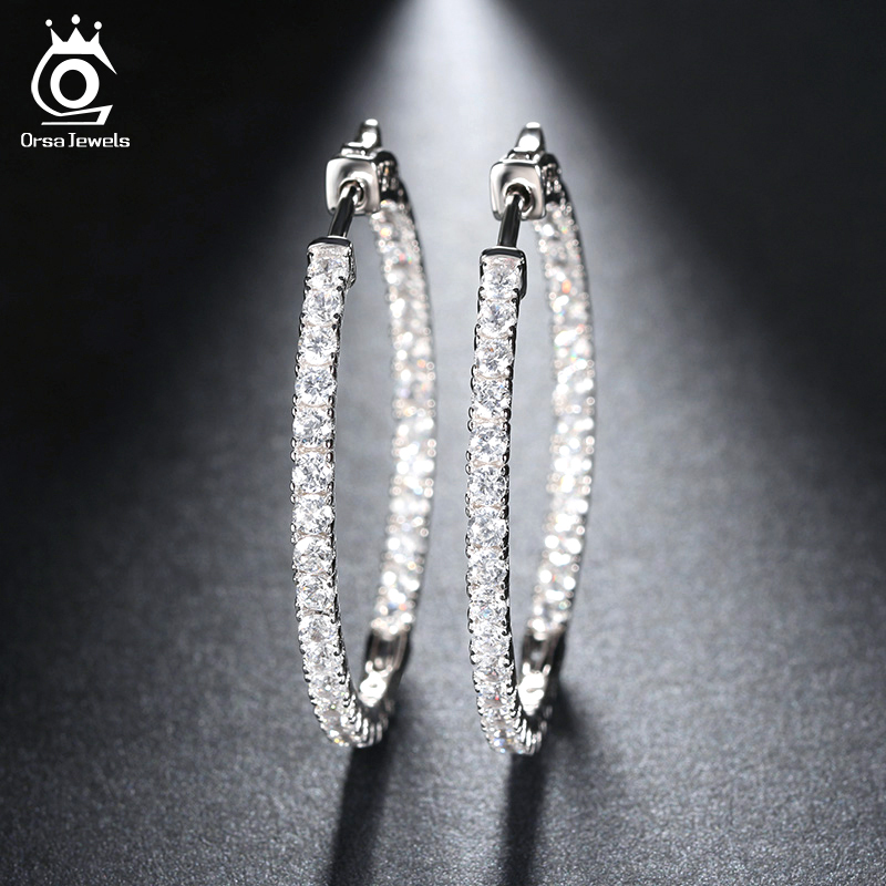 ORSA JEWELS 2018 Silver Color High Polished Hoop Earrings Paved with AAA Austrian Cubic Zirconia for Wedding Party Jewelry OE137 цены онлайн