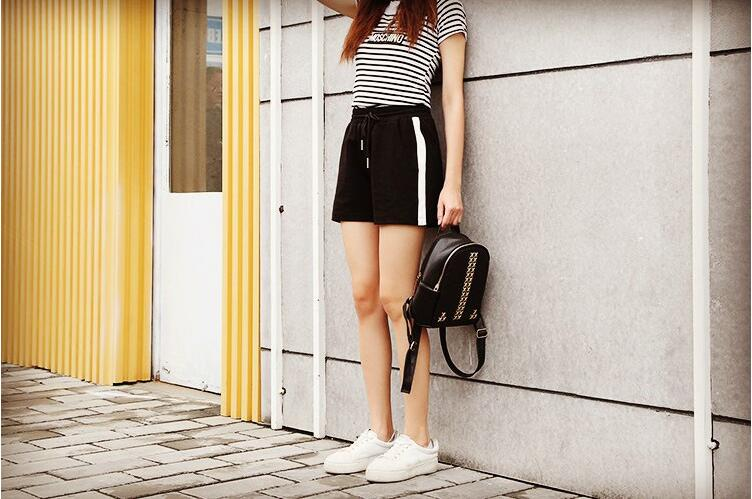 New 2020 Summer Fashion Women White Side Stripe Casual Shorts Plus Size Casual Shorts Female Straight Shorts Black Short New
