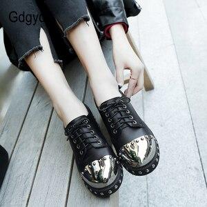 Image 5 - Gdgydh sexy rebite feminino sapatos góticos mid heel metal decoração plataforma saltos senhoras bombas de couro genuíno saltos grossos rendas acima
