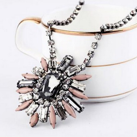 New fashion vintage amazing multicolor flower short necklace