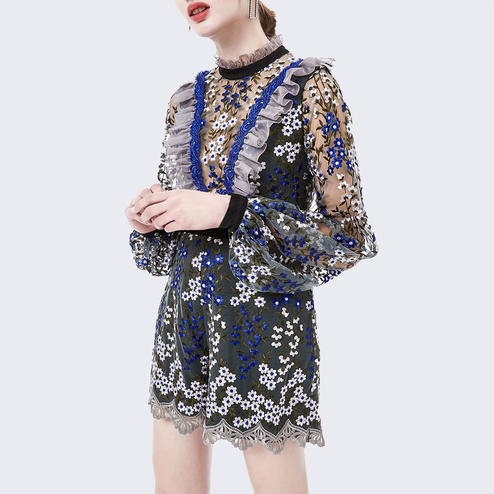 2018 New European Fashion Embroidery Gauze Perspective Temperament Stand Lead Sleeve Self-cultivation Tai Short Fund Woman