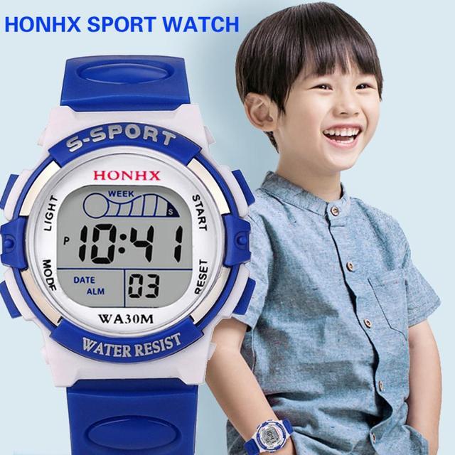 ee1db440fbc Crianças à prova d  água Relógio Do Esporte Boy Digital LED Alarm Quartz  Data Sports