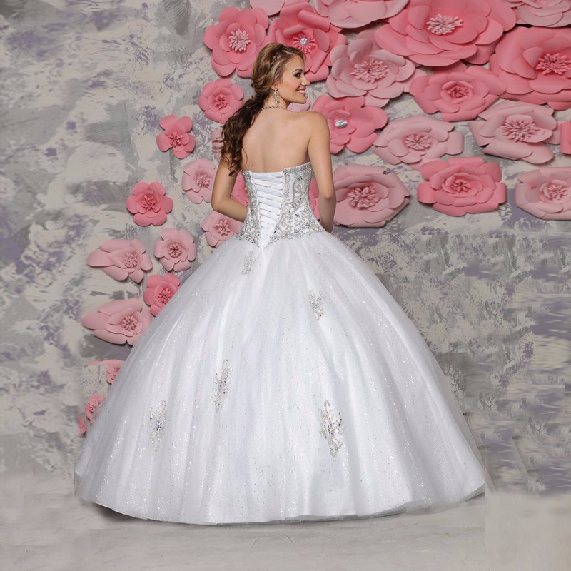 White-Gown-with-Crystal-Sweetheart-Off-Shoulder-Sweet-15-Organza-Lace-up-Quinceanera-Dresses-2016-Beading (1)