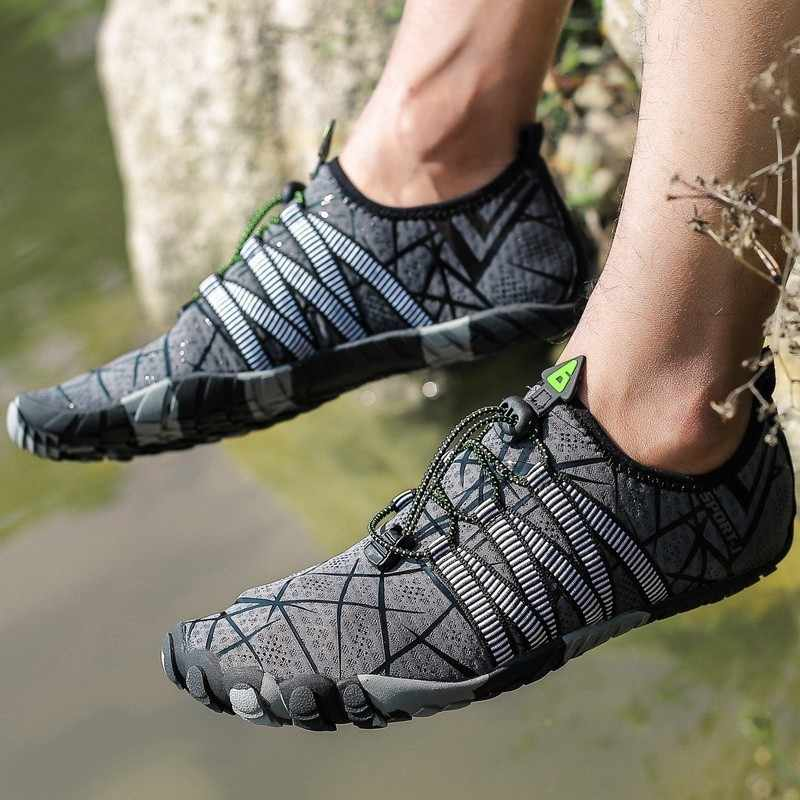 Scarpe da ginnastica Scarpe Da Spiaggia All'aperto degli uomini di Nuoto Acqua Scarpe Per Adulti Coppie formato 35-46 Piatto Morbido E Traspirante Balneare Femminile Trampolieri scarpe