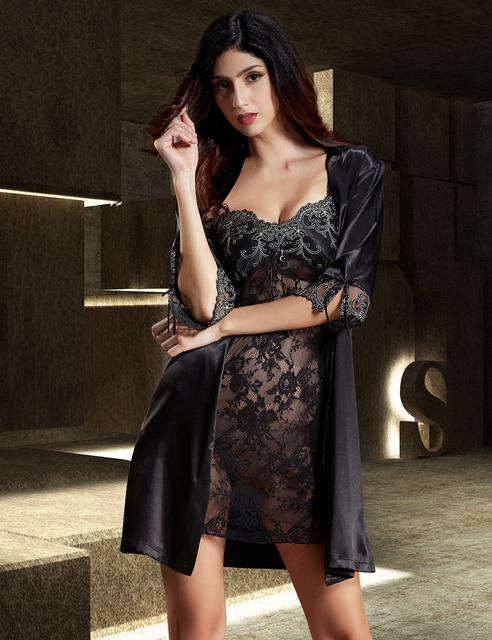 New Arrival 2017 Emulation Silk Black Robe Sets Half Sleeve Women Bathrobes Sexy V-Neck Lace Robes Embroidery Nightgowns 6628