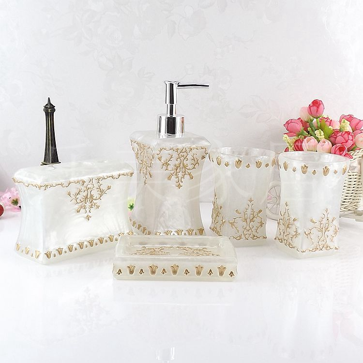 Beautiful butterfly floral 5pcs resin bathroom accessories for Floral bathroom accessories set