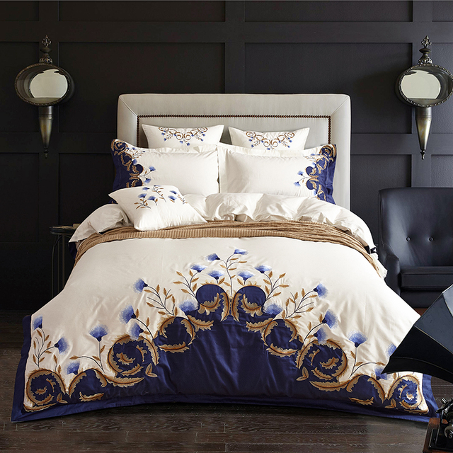 White Blue Embroidered Bedding Set Egyptian Cotton Silky Luxury Royal Bed  Set Duvet Cover Bed Sheet