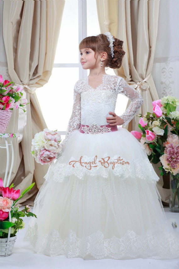 2016 New sheer lace long sleeves flower girl dresses the first communion tiered ball gowns vintage white wedding birthday frocks vintage kids sheer lace flower girl dresses for wedding formal occasions holy the first communion ball gowns juniors prom frocks