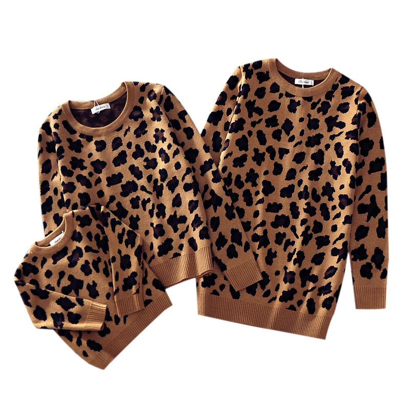 Parent-child Outfits Family Look Leopard Sweaters Family Matching Clothes Mother Daughter Son Baby Boys Girls Warm Winter Coats