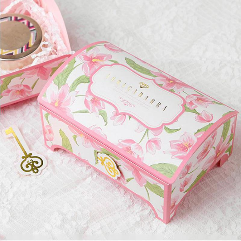 Romantic Wedding Gifts: 50pcs Wedding Candy Box Drawer Shaper Favor Box Candy Box