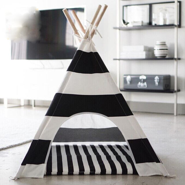 Hot selling black and white stripe  Dog Bed Dog House Pet play House  play teepee tent  with mat selling together