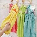 Colorful sweet candy colored towel super macio coral do velo dos desenhos animados do bebê kid criança towel limpar o suor hung towel frete grátis