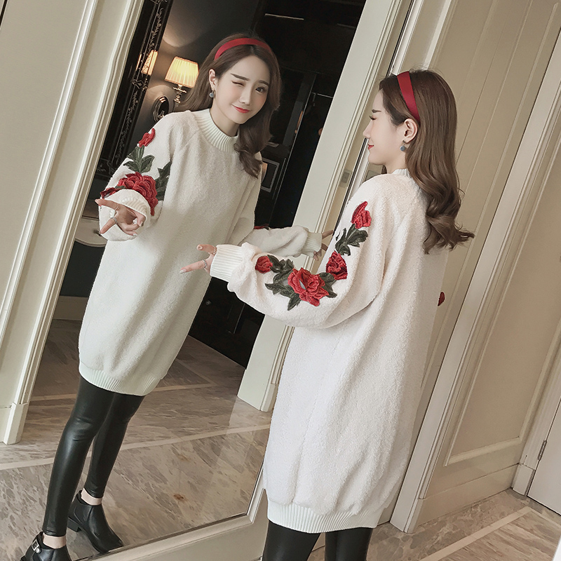 Korean version of the autumn and winter new lambs rose roses embroidered dress fashion sweater textiles and dress of gujarat
