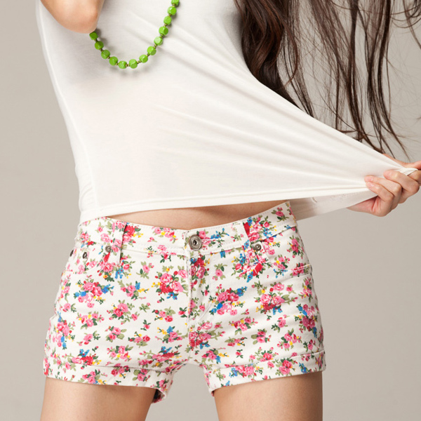 898ac9a833 Estilo coreano 2016 verano moda para mujer floral denim shorts vintage pantalones  cortos de jean delgada cintura baja algodón jeans para mujeres en ...