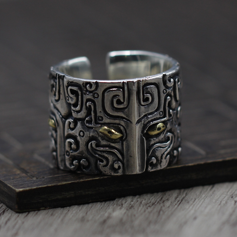 Thai Silver Personality Retro Style Ring Ring Domineering Carved Gluttonous men