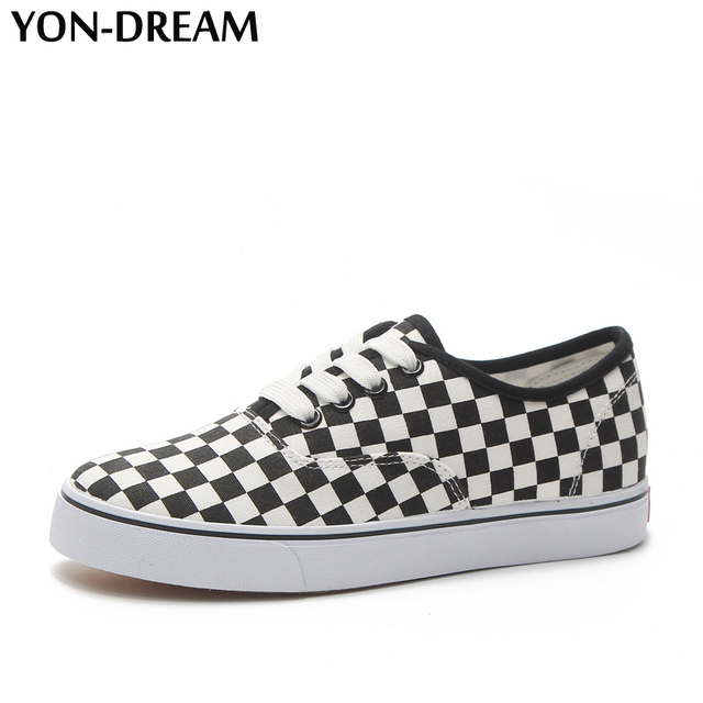 27bd667b49a1 YON-DREAM Checkered Style 2018 Hot Canvas Women Shoes Black White Plaid  Women Sneakers All Match Ladies Flats Rome Leisure Shoes