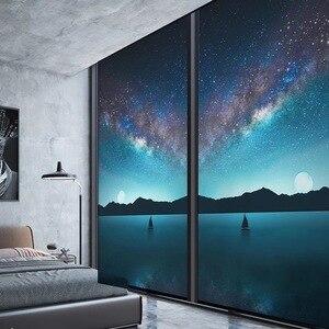 Film de fenêtre d'intimité de ciel d'étoile de forêt autocollant de vitrail colle libre Film auto-adhésif fait sur commande de porte de salle de bains Film décoratif à la maison
