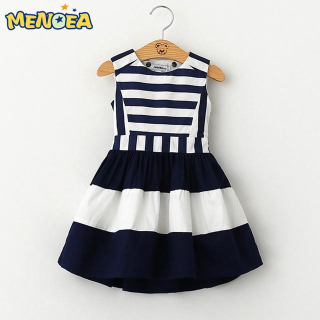 Menoea 2017 Vestido de Verão Do Bebê roupas de Estilo Militar Marca Meninas Vestir Meninas da Marinha Do Vento Backless Stripe Emenda Vestido de Verão Vestido
