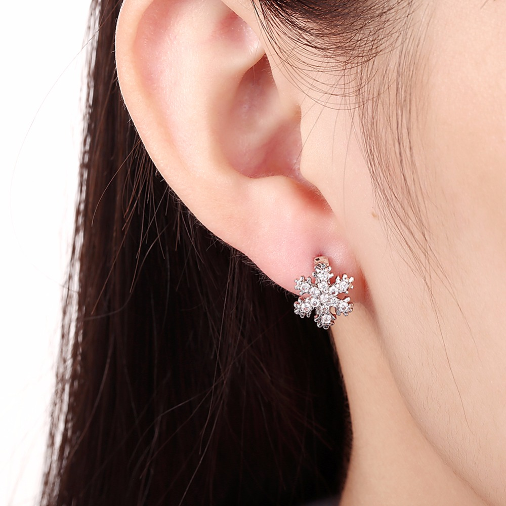 CHUKUI Christmas Jewelry Small Zirconia Snowflake Crystal Circle Hoop Earrings Gold Hoops Earings Bijoux Femme (8)
