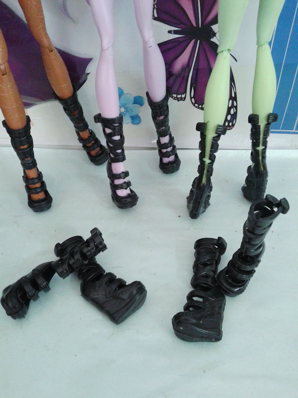 Wholesale 100pairs/lot Fashion Black Boots For Demon Monster Doll New Design Monster Doll Campagus Roman Doll Shoes Lowest Price