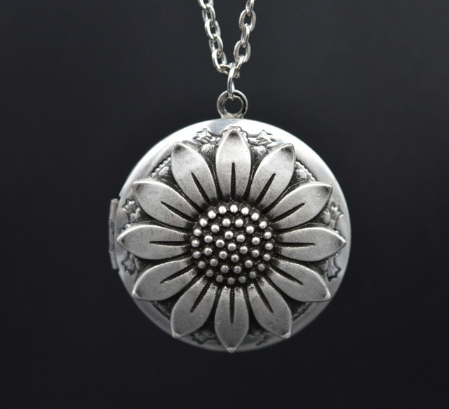 10pcs Vintage Sunflower Locket Pendant For Women Christmas Gift Daughter Mom Birthday Photo Lockets XSH264