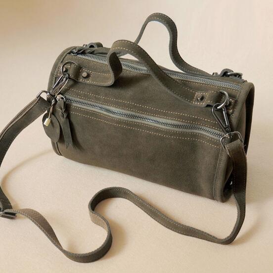 2017 Soft Natural Cowhide Suede Leather Women's Bag Vintage Nubuck Genuine Leather Messenger Bag Casual Cool Rivet Crossbody Bag