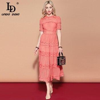 976ef03c96e53 LD LINDA DELLA 2019 Yeni Yaz Pist uzun elbise kadın Kısa Kollu Katı Çiçek  Hollow out Işlemeli Orta Buzağı Zarif elbise