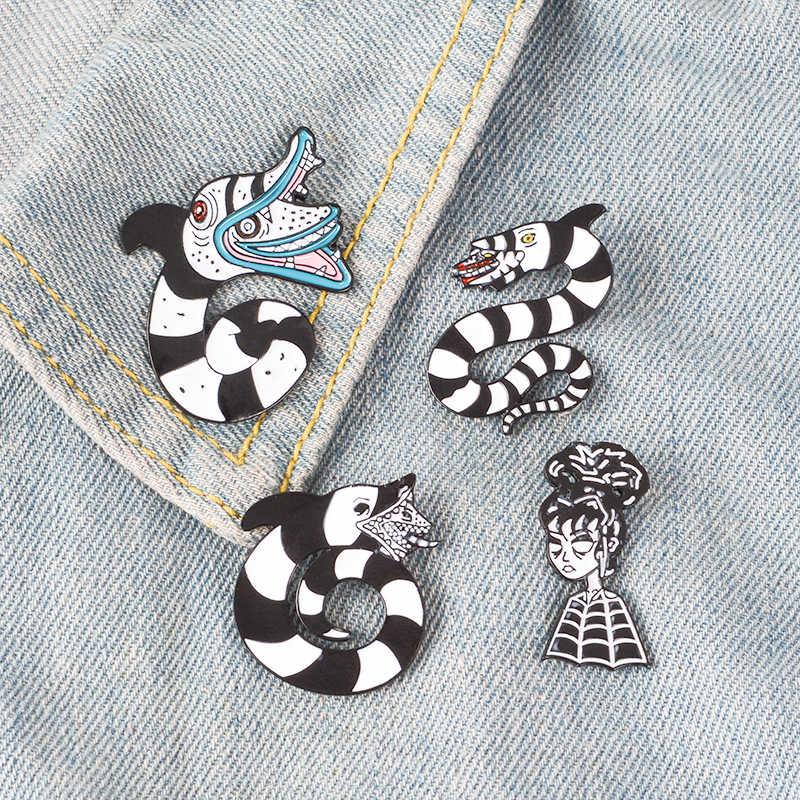 Beetlejuice Lembut Enamel Bros Sandworm Pin untuk Pakaian Kemeja Topi Tas Lencana Film Horor Perhiasan Hadiah untuk Penggemar Teman