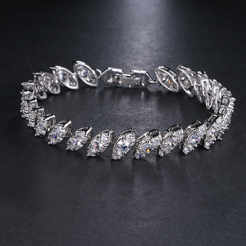Rongyawei Fashion Classic Style Bracelet Women Clear Cubic Zircon Bracelet Bangles White Gold Wholesale Jewelry Party