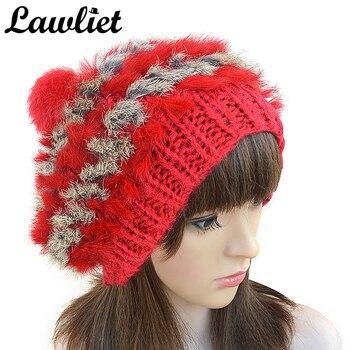 2cf1e9956913 Mujeres sombreros de invierno Natural Real conejo piel Pompom tejer  sombreros para niña ganchillo Skullies gorra rusa A234