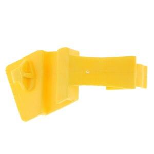 Image 1 - 1 pces capa barra de apoio braçadeira para ford fiesta 2011 2012 repalce 8a6z16828b/8a6z 16828 a capa estadia clipe de fixação de plástico de estiva
