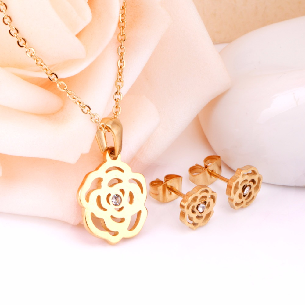 Flower Pendant Chain Necklace Earrings Dubai Bridal Wedding Jewelry Sets For Women Stainless Steel Gold Fashion Jewelry Sets