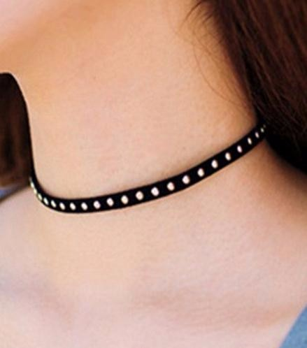 2019 new Arrive Black Velvet Choker Necklace Goth Gothic Handmade Retro Burlesque for women jewelry Gift wholesale in Torques from Jewelry Accessories
