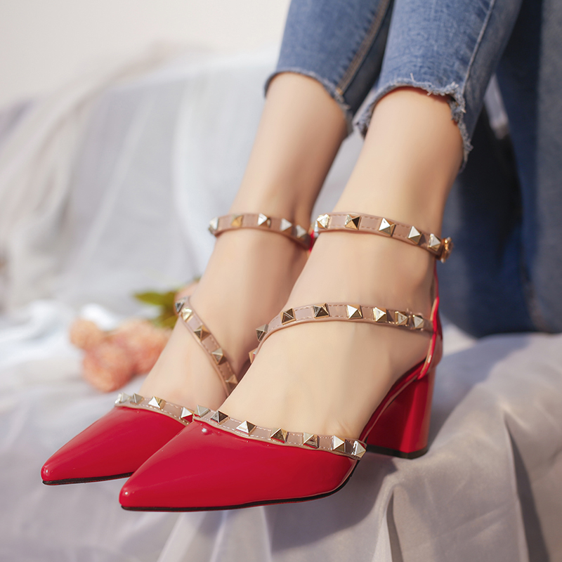 Summer Thick heel sandals Rivet pointed heel with shoes 1
