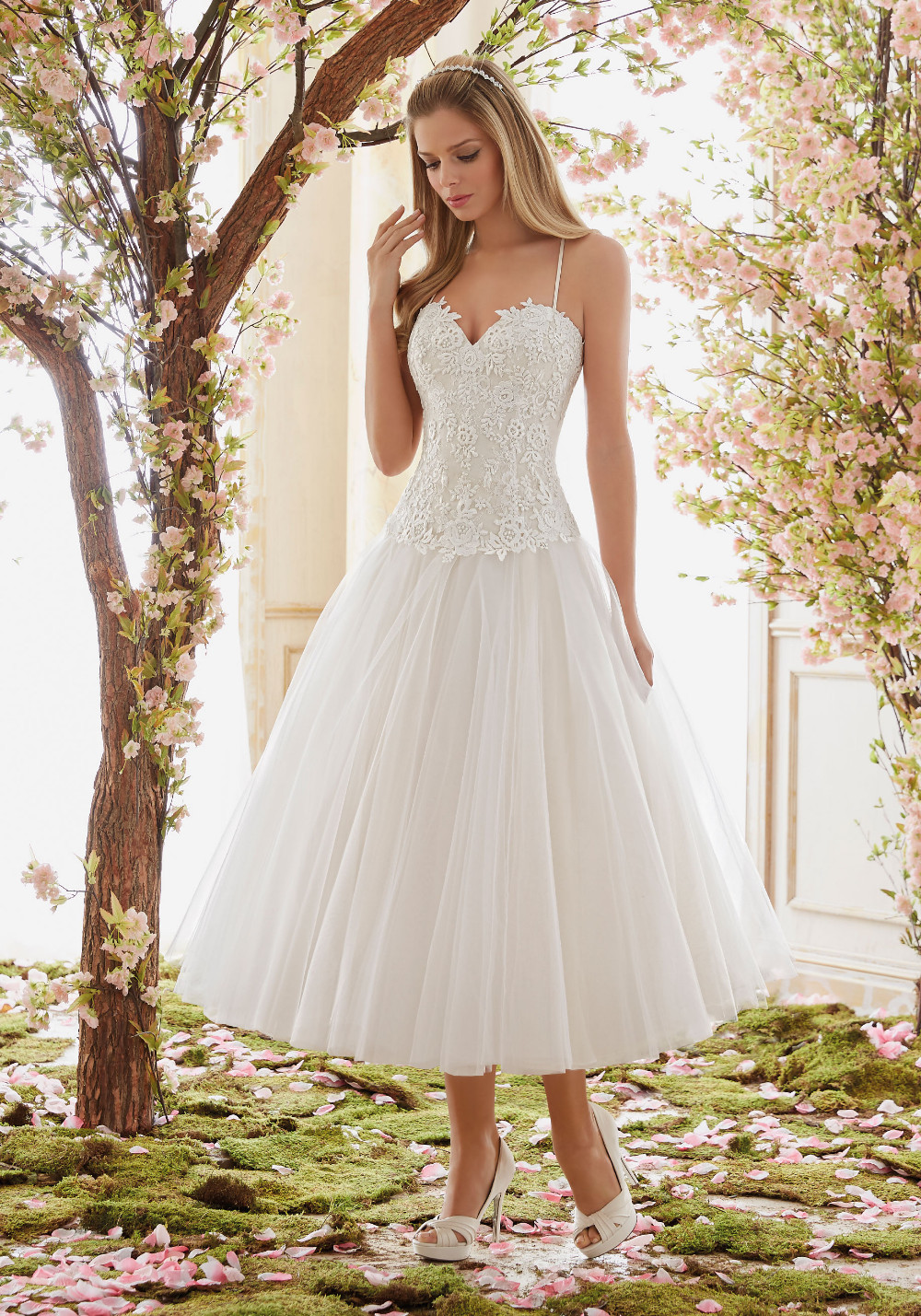 4b707b396cef2 Clear Comfortable Tulle Sweet Wedding Dress 2017 Vintage 1950's White  Garden Style Bridal Gowns Mid Calf A Line Spaghetti Gowns-in Wedding  Dresses ...
