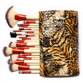 Pinceles De Maquillaje profesional 24 Unids Hacer Rosa Del Sistema de cepillo de Cerdas Sintéticas en Tigre Raya el Bolso de Cuero