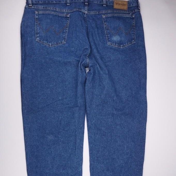 5a9f5fbc ... WRANGLER RUGGED WEAR 35001AI Relax Fit Jeans Med Wash Denim Mens 46x32  (2) ...