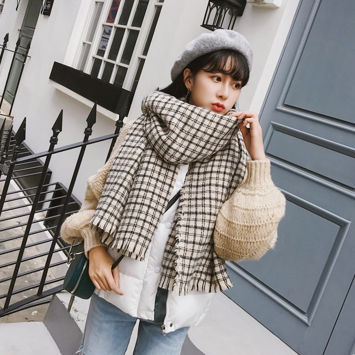 Autumn and winter new geometric black and white plaid women scarves Classic wild lady shawl