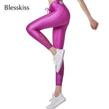 Blesskiss Shiny Neon legginsy sportowe dla kobiet spodnie sportowe do jogi wysokiej talii drukowane litery LULU Mesh spodnie treningowe stroje gimnastyczne tanie tanio Sznurek NYLON spandex WOMEN JERSEY Pasuje prawda na wymiar weź swój normalny rozmiar Yoga Kostki długości spodnie YG9610