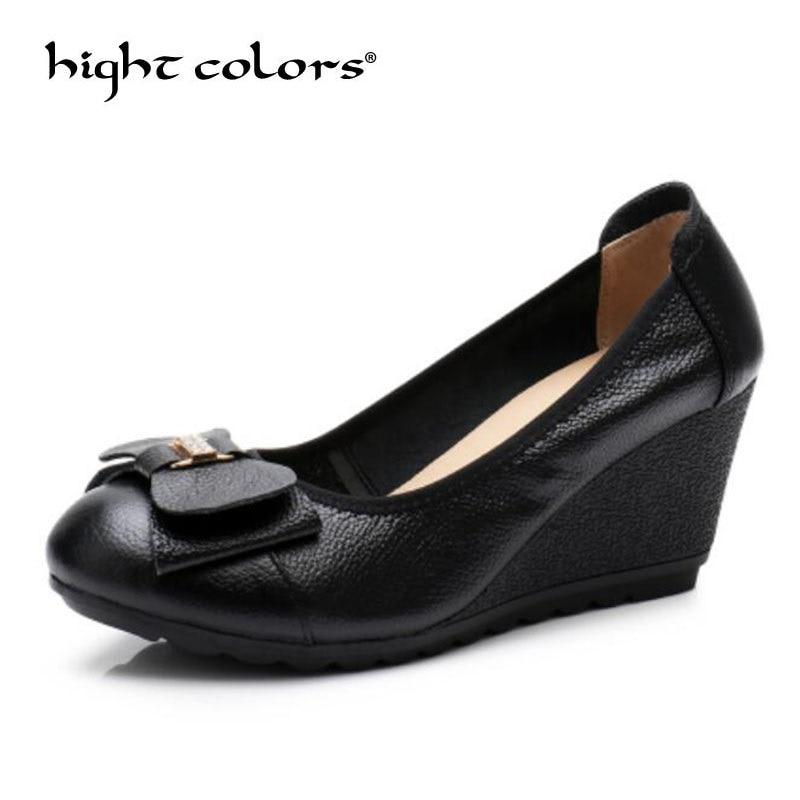 Женские туфли из натуральной кожи на высоком каблуке; классические черные и белые туфли на танкетке без застежки для офиса; женская обувь; женские туфли лодочки
