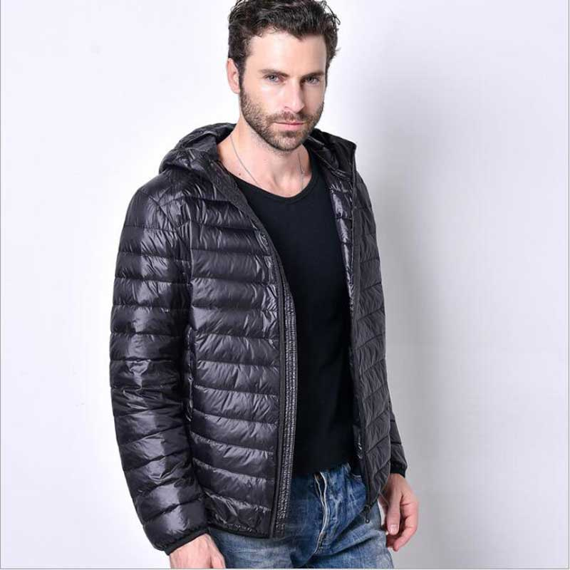 2017 New Men White Duck Down Jacket Portable Hooded Down Coat Ultralight Men Winter Coat Warm Thermal Down Parkas Plus Size